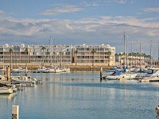 Fantastic Marina Front-line Duplex Apartment