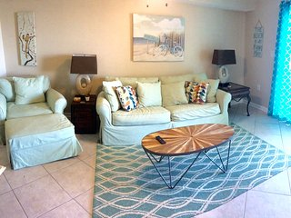 15% off May open dates at updated Orange Beach ocean front 1 BR with hall bunks!