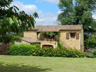Converted barn,7 people,private heated,pool beautifulview,near golf courses 2kms
