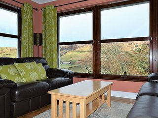Morrison Cottage, cosy, warm in a rural setting, Carbost