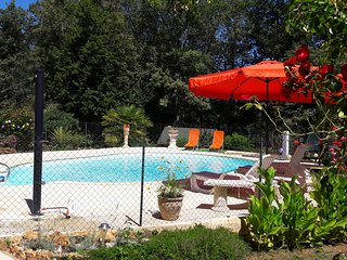Maison avec piscine proche de Sarlat, Sainte Nathalene