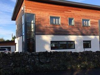 Modern luxury accommodation, close to the beach