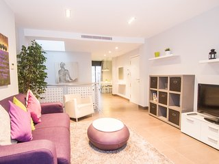 Amazing duplex with large private terrace in Sitges.