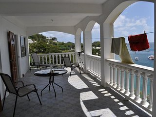 Beachfront Villa Beach Spectacular Views, Arnos Vale