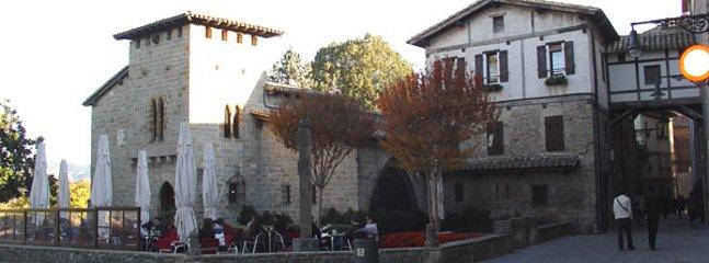 Vista de Pamplona, llamado Rincón del Caballo Blanco, a 1 minuto lejos de casa