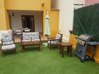Apartamento en Costa Esuri con jardín privado