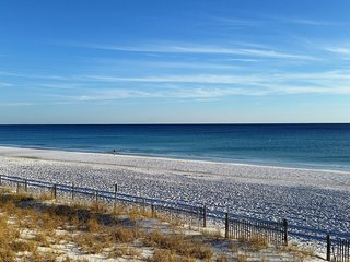 Spring Specials--Book Now! Gulf Views with Pool, Hot Tub & Steps from the beach!, Miramar Beach