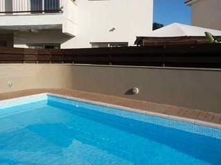 2b Ground floor Garden Apt with pool - Pyrgos