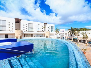 Condo Plaza Paraiso - 5th Avenue and Playacar - At Plaza Paraiso