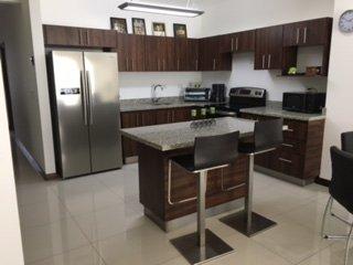 Minimalistic apartament in Rohrmoser, San Jose