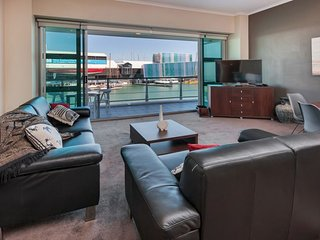 Spacious West Facing One Bedroom Waterfront on Princes Wharf, Auckland