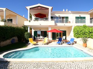 Villa Miranda walk to everywhere in Praia da Luz - including the beach !