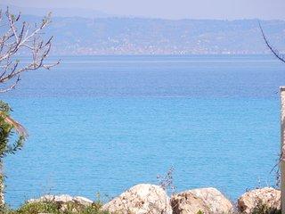 R72 Lux beachfront maisonette !, Hanioti