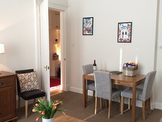 Edinburgh City Centre Holiday Apartment