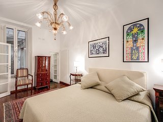 Elegant 1 Bedroom Apartment near the Pantheon