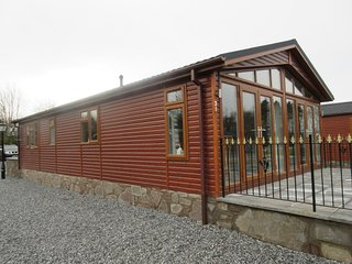 deluxe twin fully furnished holiday lodge near gleneagles