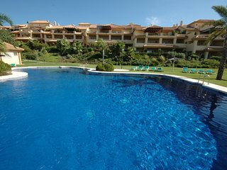 lovely two bedroom apartment near puerto banus