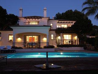 Villa 6 Four bedroom Villa in Pinheiros Altos