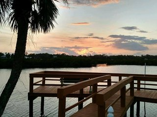 Kate's Places - Luxury 2 bed 2 bath Villas with boat docks at Dolphin Cove NSB, New Smyrna Beach