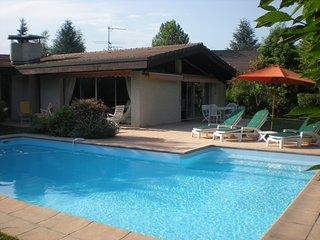 ST-JORIOZ, Spacieuse villa, Piscine, calme, 12 pers, Saint-Jorioz