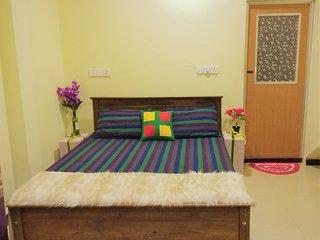 2 apartment with balcony and pool viwe, Negombo