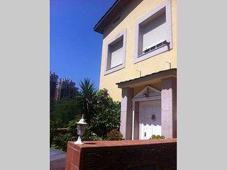 Casa en Esplugues de Llobregat estilo italiano de dos plantas