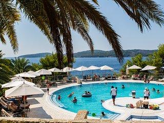 Villa Nika - Five Bedroom Villa with Swimming Pool and Sea View, Orasac