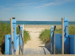 Oceanview Condo, 1 mile from the pier, new in 2015, Old Orchard Beach
