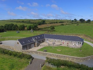 Deri Llyn: Large, 5* Cottage with Sauna - 51814