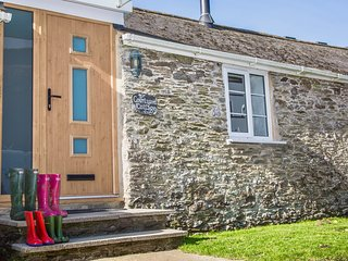 Luxury pet friendly Devon Cottage, Near to Dartmouth & the Beach with tennis!, Strete