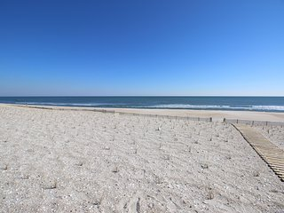 3 Bedroom Classy Oceanfront Duplex - Beach Level Unit Only - Great Location