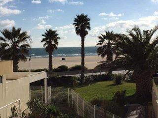 Appartement pour 2 a 5 personnes a 50 metres de la plage