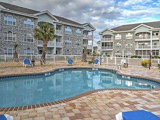Charming Myrtle Beach Condo Right on Golf Course!