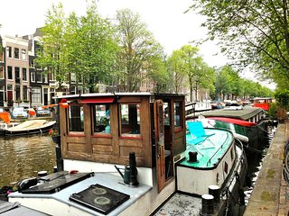 Captains Cabin on the Canal 1BR 30m2, Amsterdam
