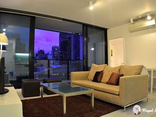 2Bdr/2Bath - City Apt *FREE TRAM ZONE*