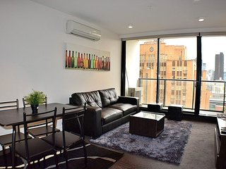2Bdr Apt with Views in CBD
