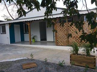 Très jolie maison neuve  en guadeloupe, cadre très agréable, reposant, et calme.
