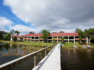 Harder Hall Lakeside Villas - Fri, Sat, Sun check ins only!, Sebring