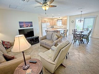 If you want close to Lake Sumter Landing,you've got it in this adorable home.