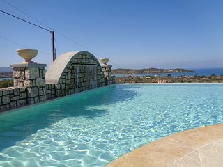 Porto Panorama Apartment with Infinity Pool, Porto Heli