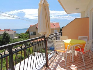 066202 Large nice apartment in Krk