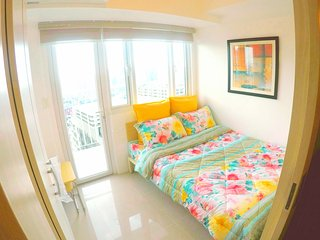 2 Bedroom unit in Mandaluyong with wifi, washer dryer and water heater