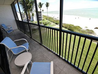 Sundial A403 One bedroom gulf front resort unit, 25ft from beach