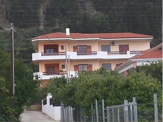 Sunny Apartment, Derveni 1