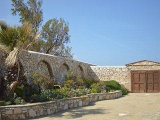 Casa di Meli, Ornos