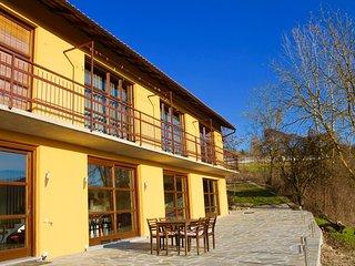 Grote moderne villa in Piemonte, Vesime