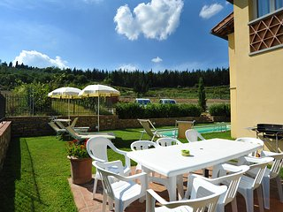 Private villa with swimming pool in Chiantishire suitable for 10 people.Verdiana