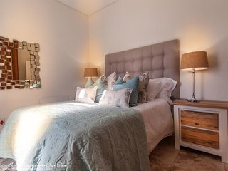 Protea Suite Sunset Beach Luxury Apartments