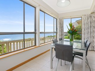 Boomer - Sensational Sea Views Right on Boomer Beach's Doorstep