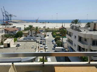 2 Bedroom. Seaview apartment in town centre. Safe neighborhood☆☆☆☆☆